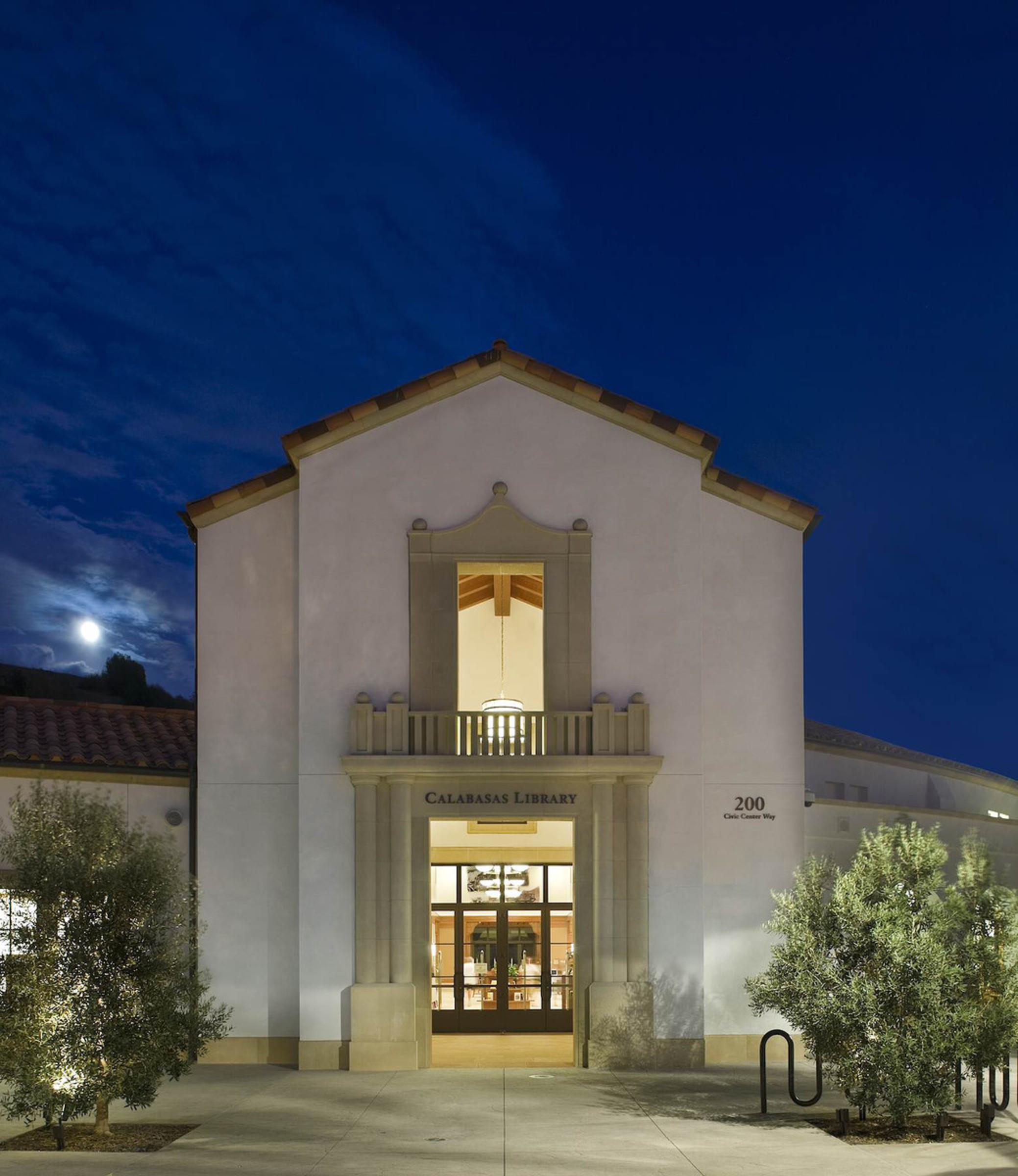 Calabasas Civic   Library Entrance Twilight