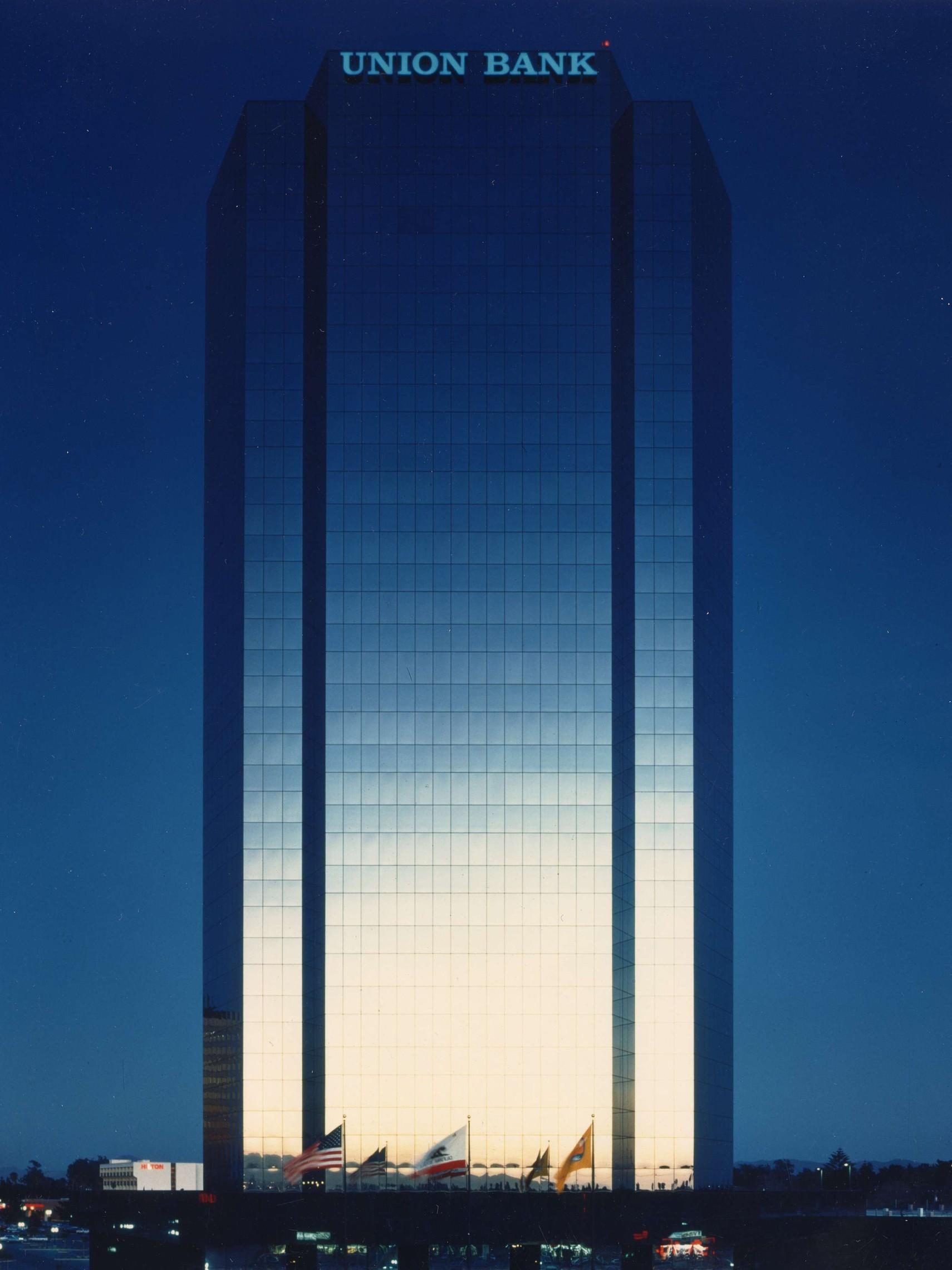 Oxnard Financial Plaza