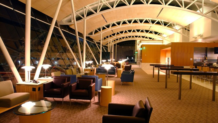 Aal Admirals Club Lounge South 2 1100x716