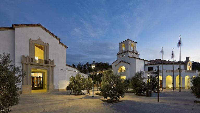 Calabasas Civic   Library And City Hall Twilight