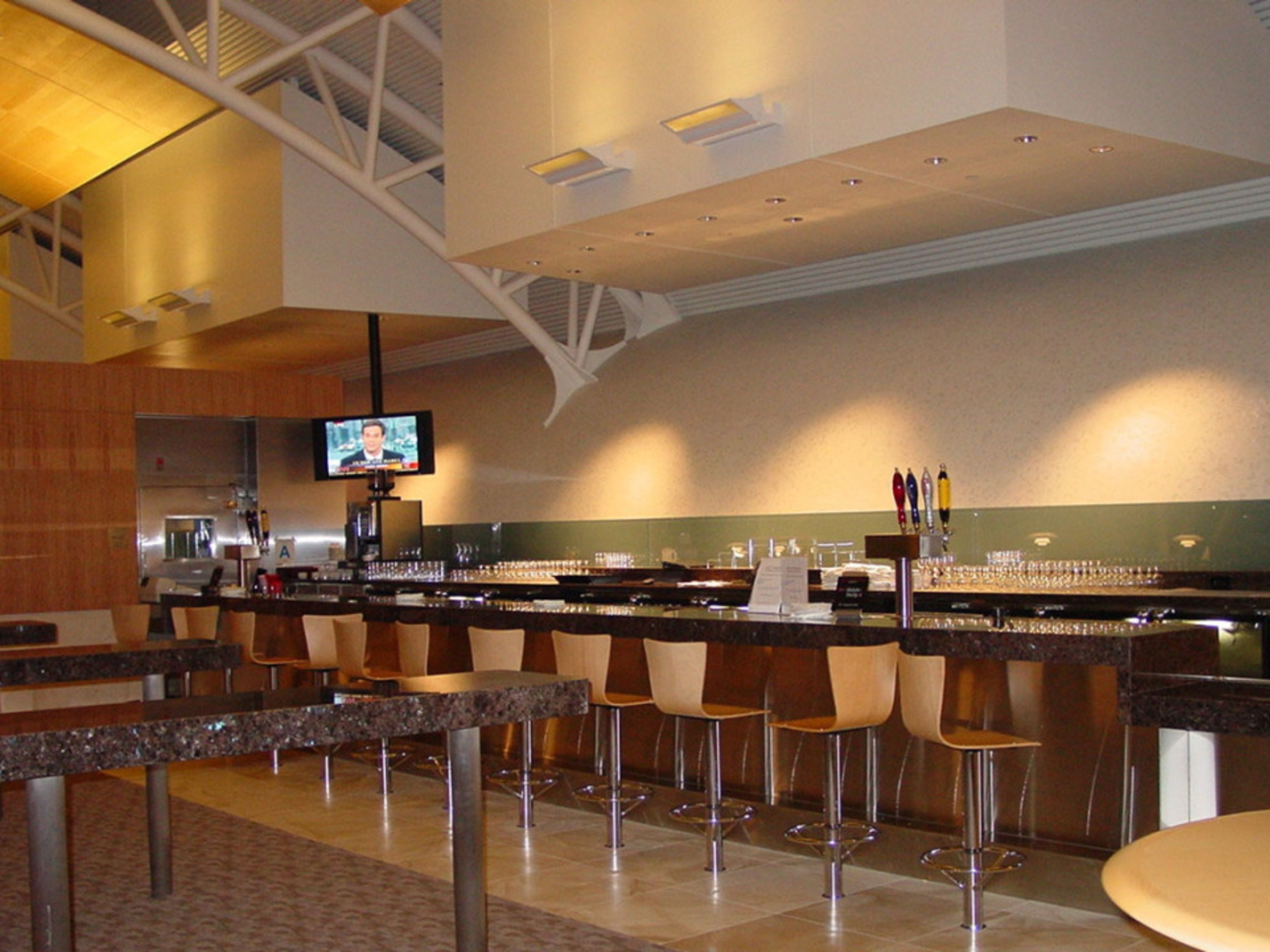 Aal Admirals Club Bar 1 1100x721