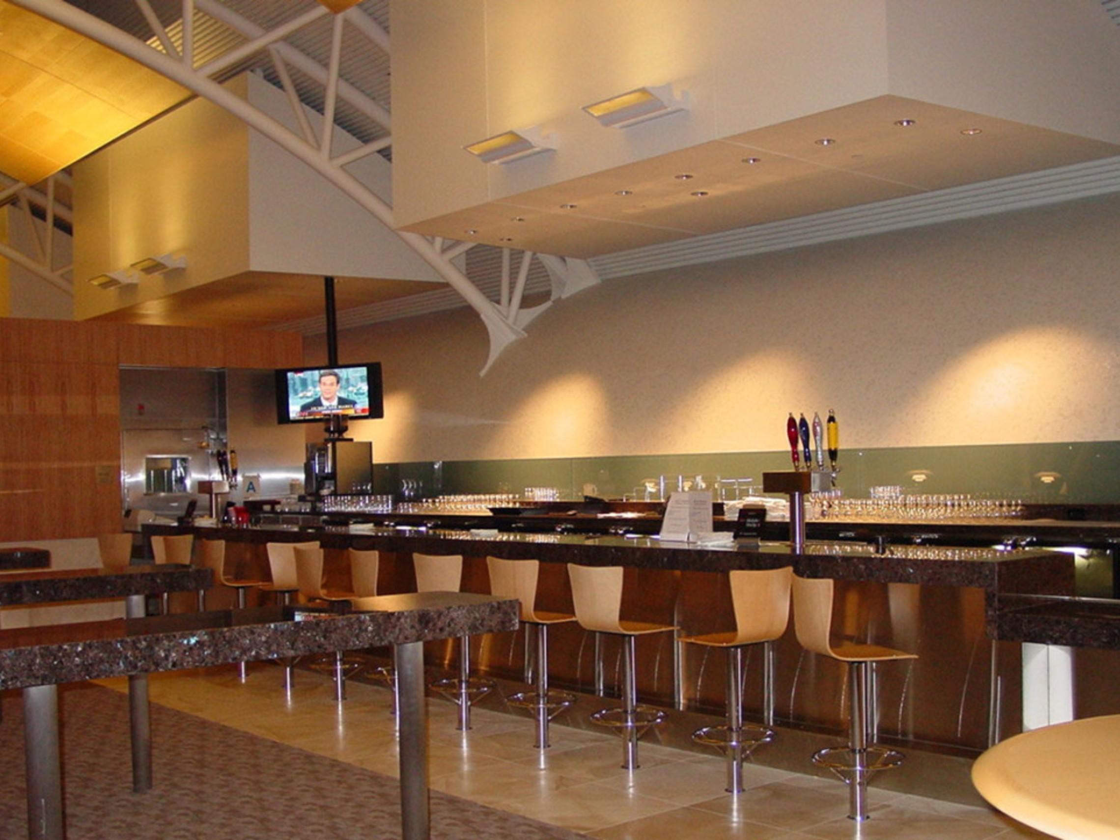 Aal Admirals Club Bar 1 1100x721