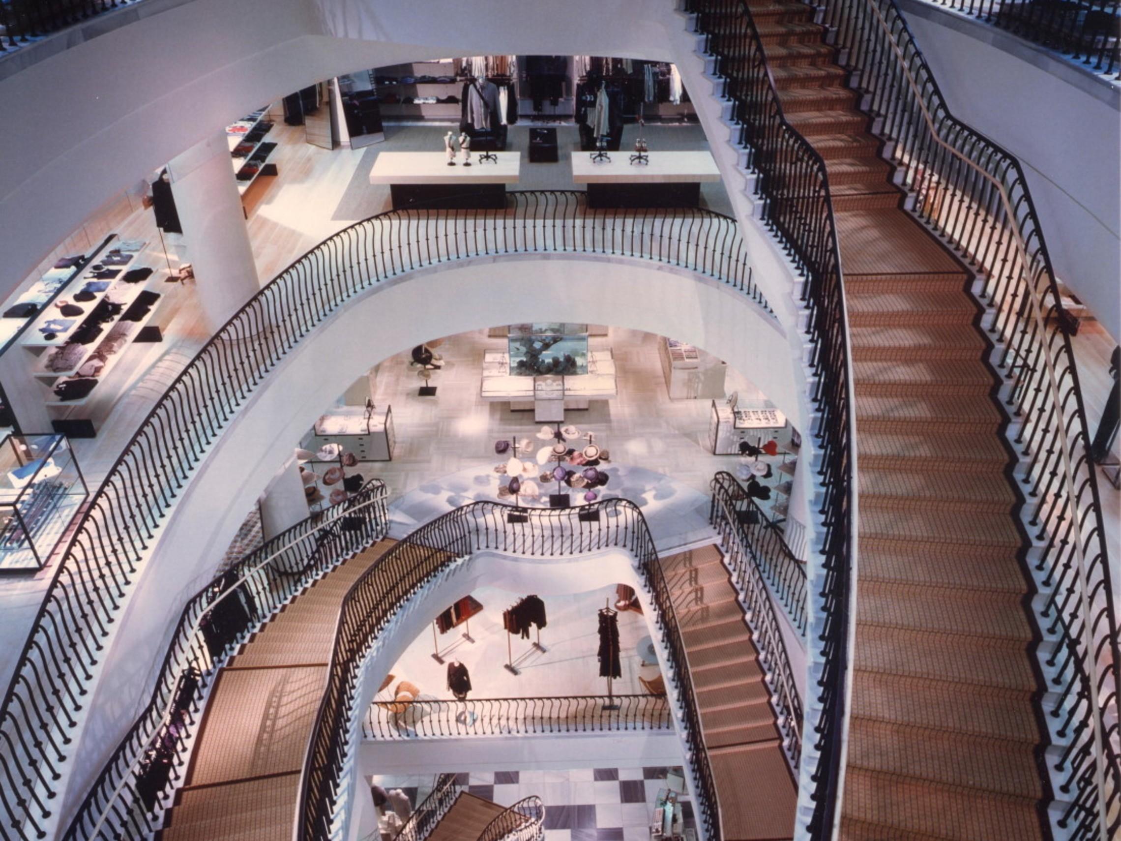 Barneys Bh Stairwell 1100x1378