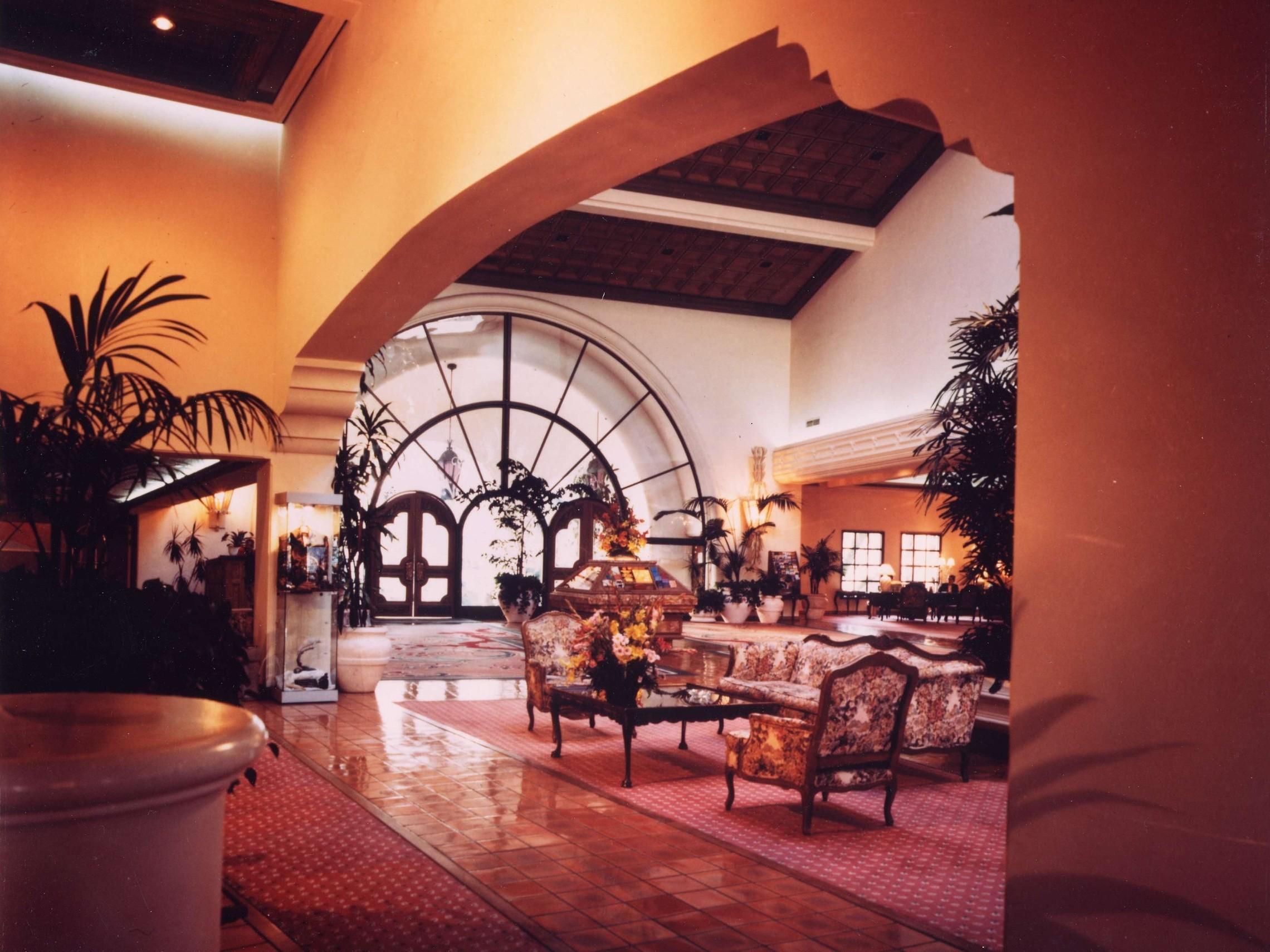 Fess Parker Red Lion Inn   Lobby Interior