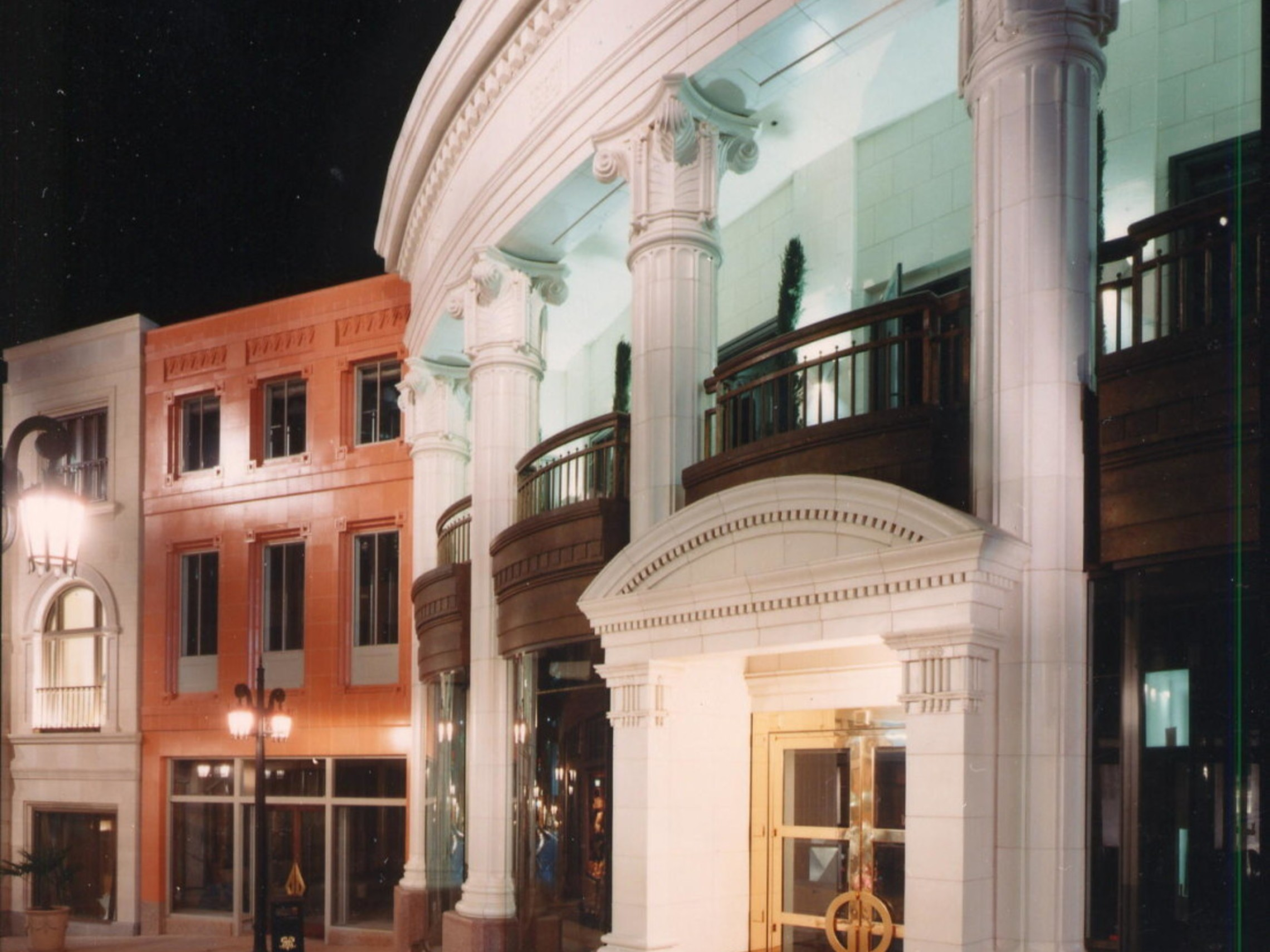 Two Rodeo Drive Storefront 1100x1378